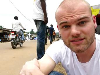 Mit dieser Videoaufnahme wurde ich in Nsioni (mindestens) zur Attraktion des Tages; Bas-Congo; 12.03.