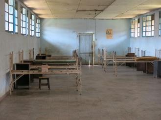 300 Betten hatte das Krankenhaus einst, als es noch von Belgiern geleitet wurde. 100 sind es heute, und so stehen einige Gebäude leer