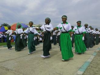 Bei der Farbgebung der Uniformen haben sich die Kimbanguisten von der Heilsarmee inspirieren lassen