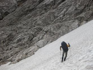 Schneefeld kurz vorm Forc. dei Cacciatori ...